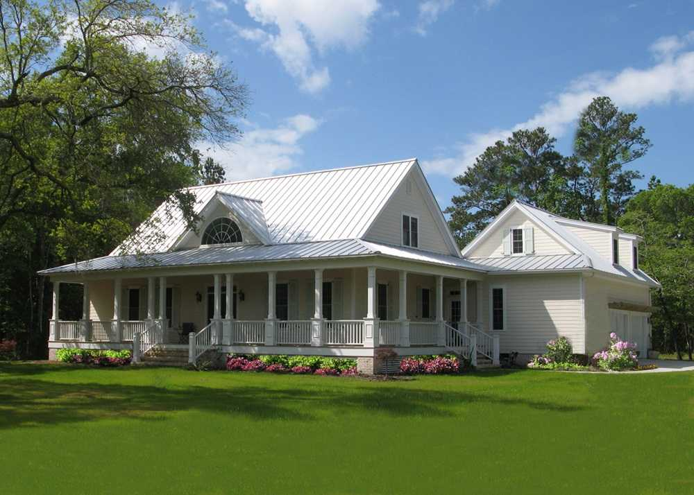 Simple-Farmhouse-Plans-Wrap-Around-Porch